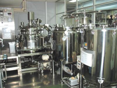 救急薬品 健康食品 医薬品 共立薬品工業株式会社/液剤攪拌タンク
